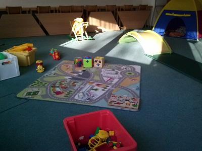Spielzeug auf dem Fußboden